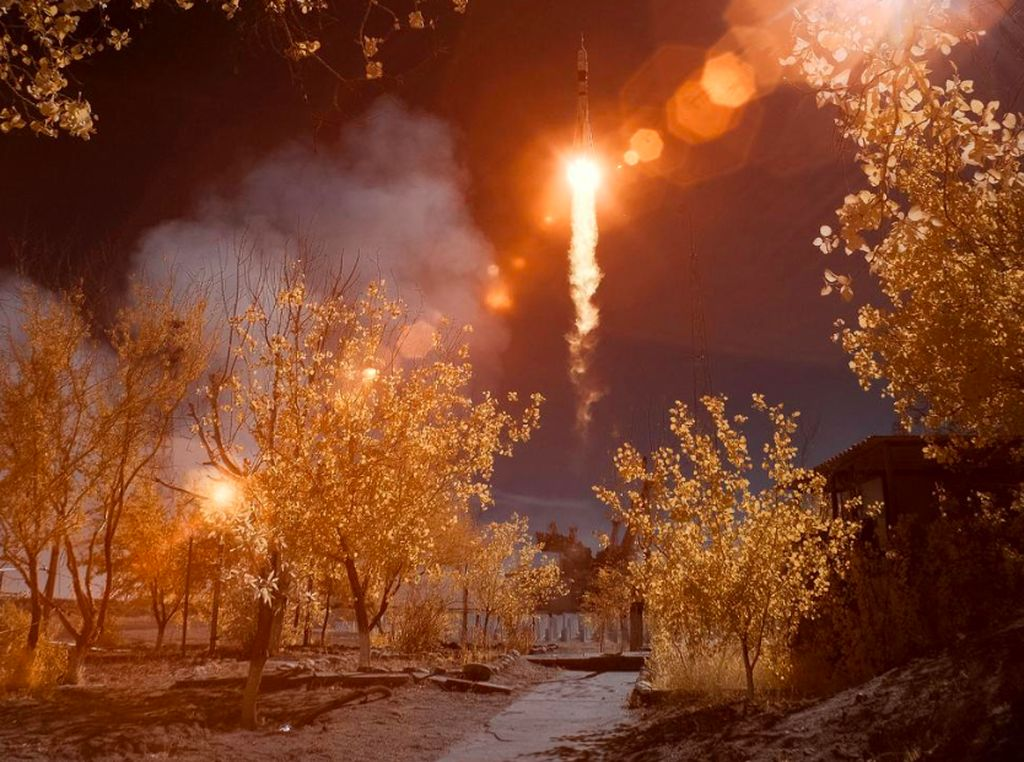 Jadi Fotografer NASA, Kamera Meleleh hingga Nyemplung ke Gunung Berapi