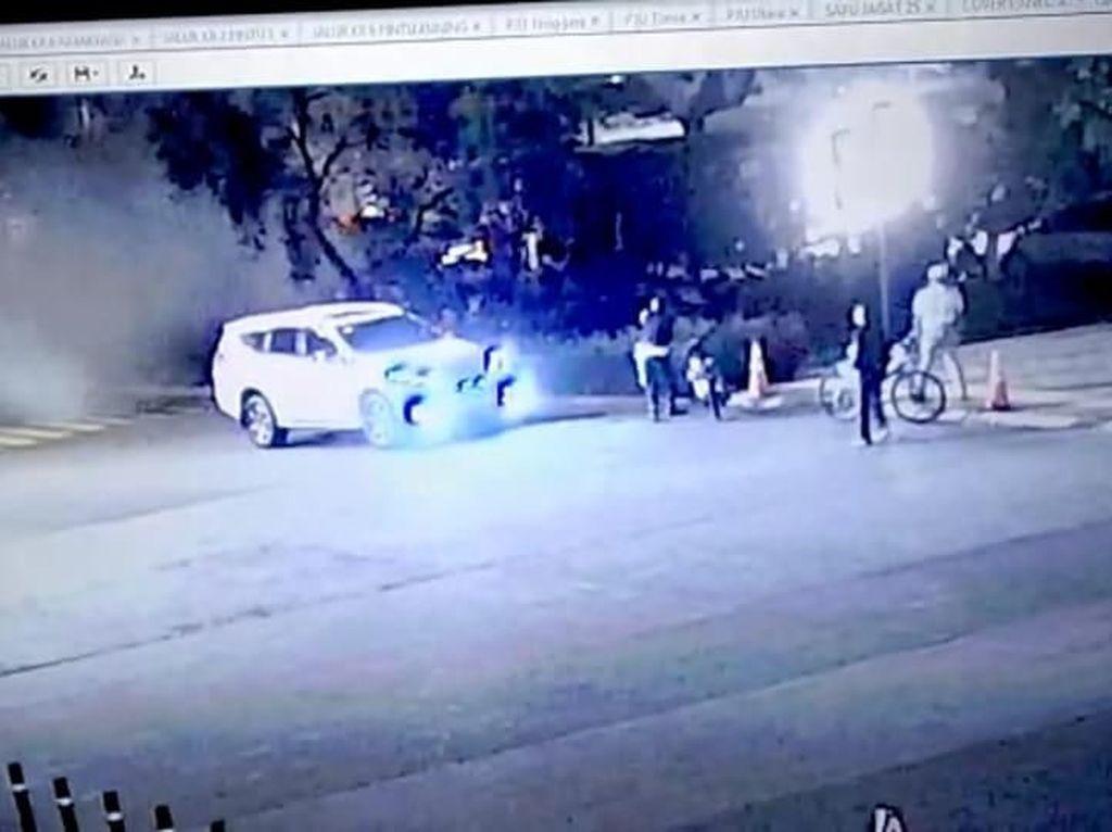 Polisi Analisis CCTV yang Rekam Detik-detik Ledakan Petasan di Senayan