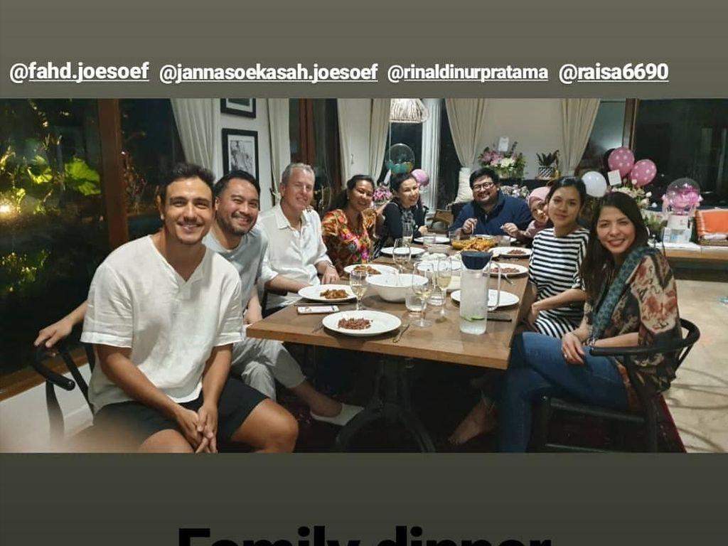 Family Dinner ala Hamish Daud dan Raisa