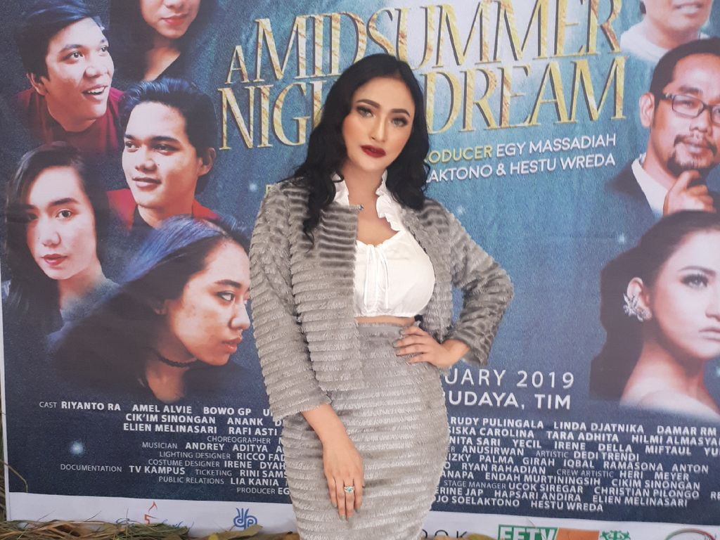 Debutnya Sukses, Amel Alvi Jadi Ketagihan Main Teater Lagi