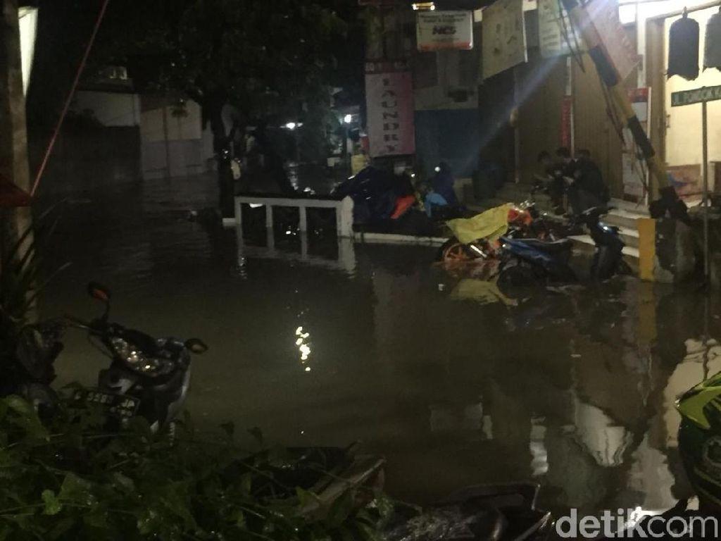 Banjir di Komplek Polri Mampang, Belum Ada Warga Mengungsi