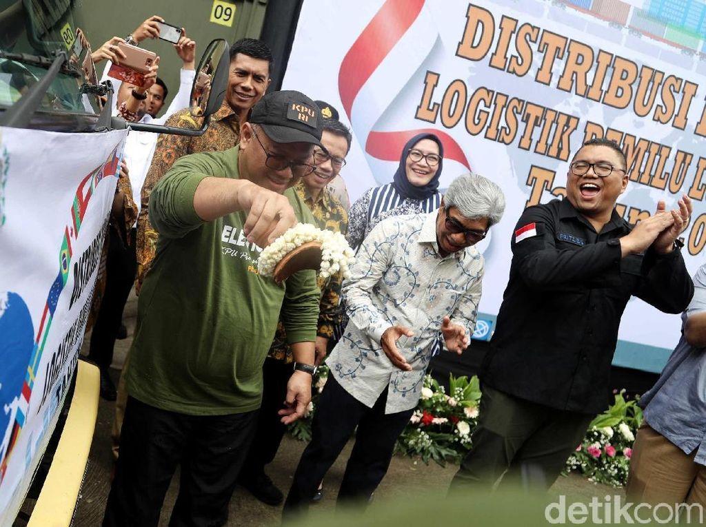 Foto: Logistik Pemilu untuk Luar Negeri Mulai Didistribusikan