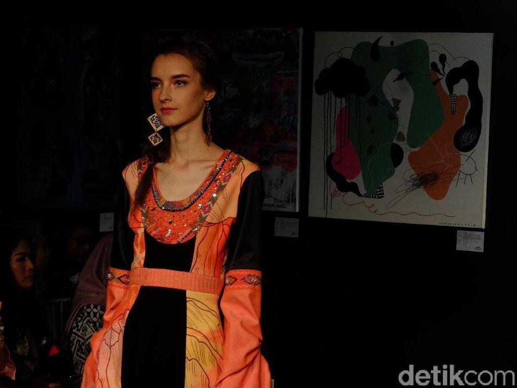 Cerita Desainer Soal Fashionista New York yang Apresiasi Kain Ulos