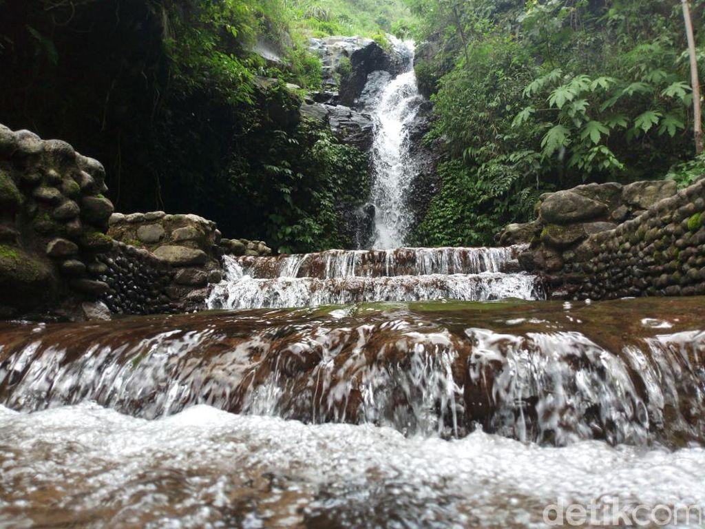 Air Terjun Perawan di Semarang: Tirto Wening