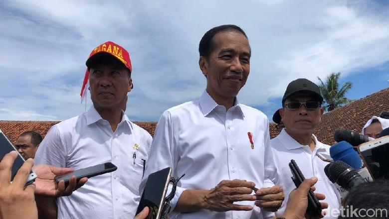 Jokowi Buka Suara Terkait Tudingan Pakai Earpiece Saat Debat Kedua