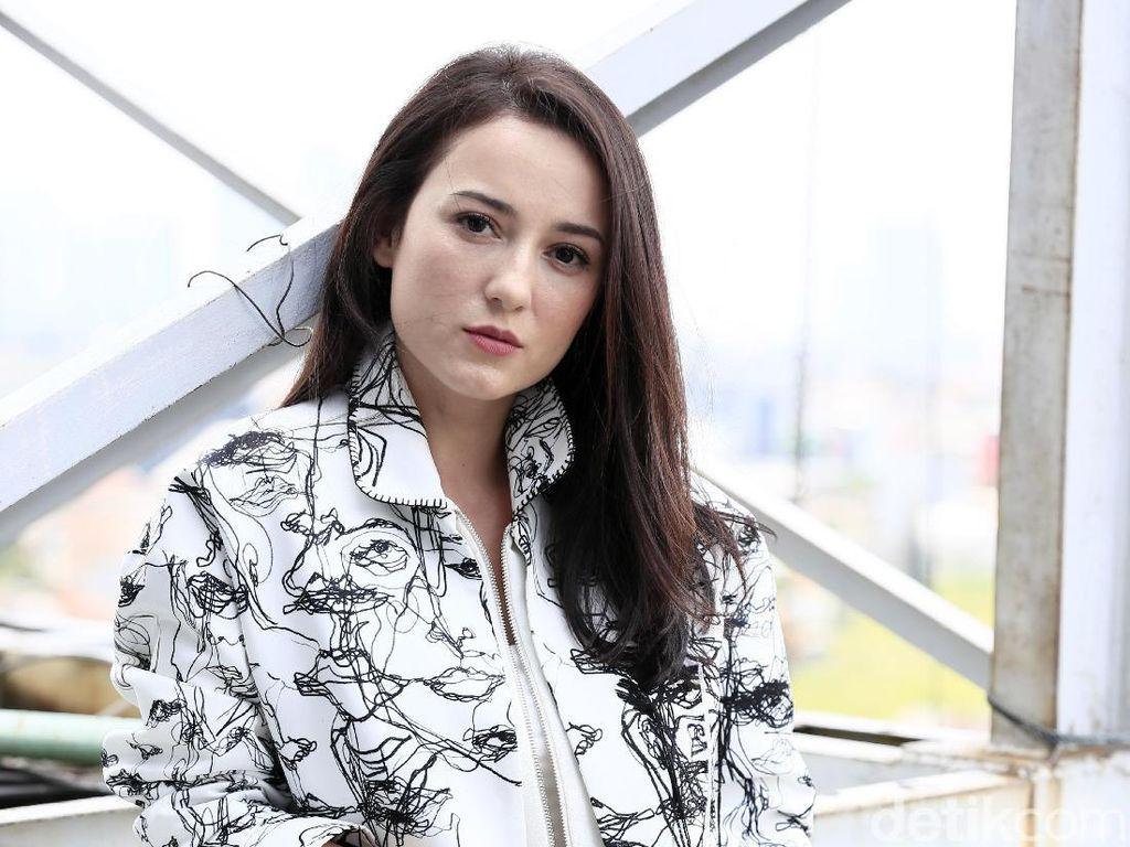 Benarkah Julie Estelle akan Lamaran di Surabaya dalam Waktu Dekat?