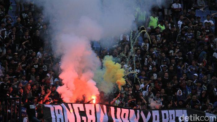 Persib menjamu Arema di Si Jalak Harupat, Senin (18/2/2019) sore WIB di leg pertama 16 besar Piala Indonesia. Laga berakhir imbang 1-1. (Foto: Mukhlis Dinillah/detikSport)