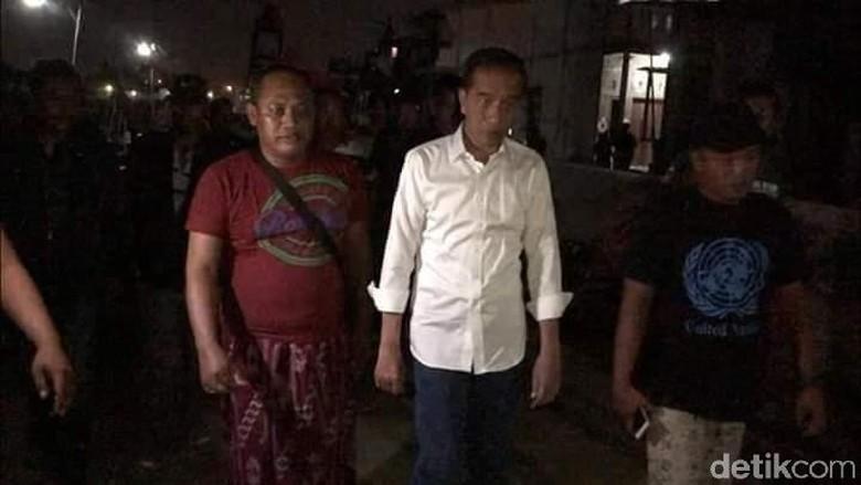 Warga Kaget Tengah Malam Jokowi Tinjau Tambak Lorok Bareng Sopir. Begini Kesaksian Mereka