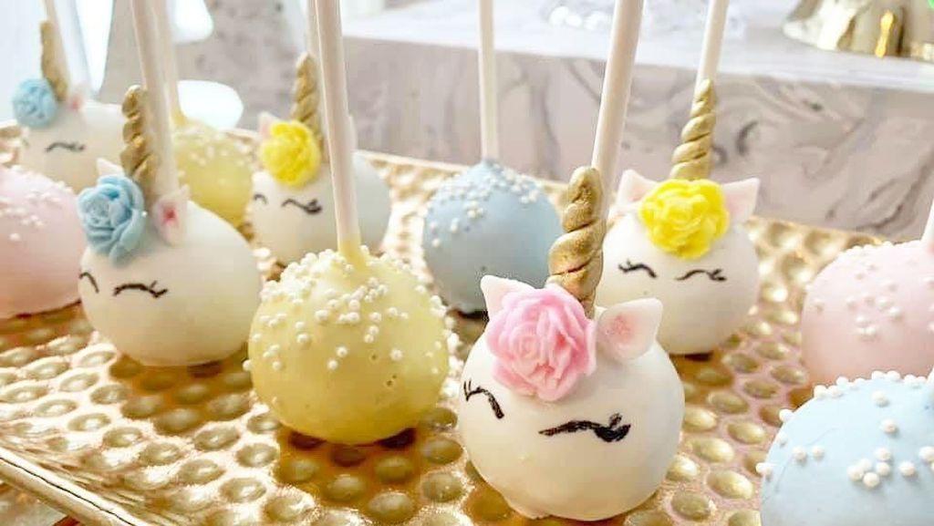 Lucu dan Imut! 10 Kreasi Kue dan Dessert Bertema Unicorn