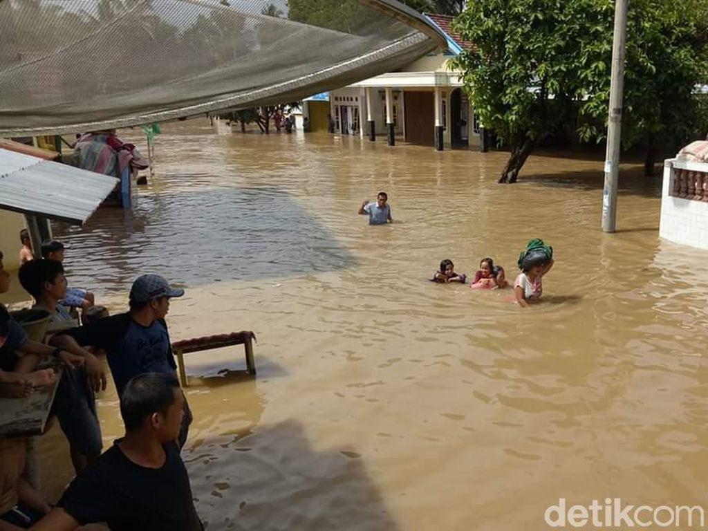 Diguyur Hujan Deras, Puluhan Desa di Sumsel Terendam Banjir