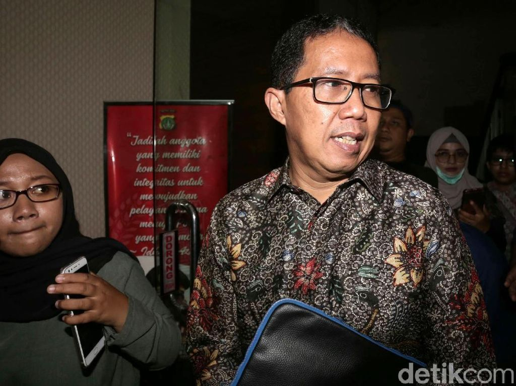Diperiksa Terkait Kasus Mafia Bola, Joko Driyono Jawab Oke