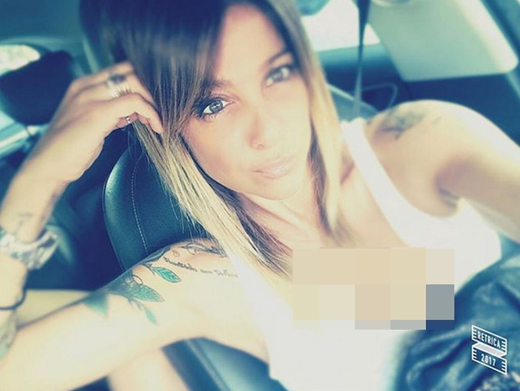 Hot Mom! Ibu Pesepakbola Muda Italia Ini Eksis Banget di Medsos