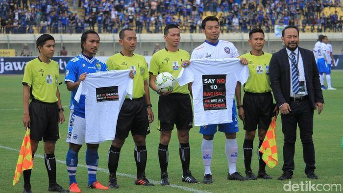 Persib Bandung vs Arema FC imbang 1-1. (Foto: Wisma Putra/detikcom)