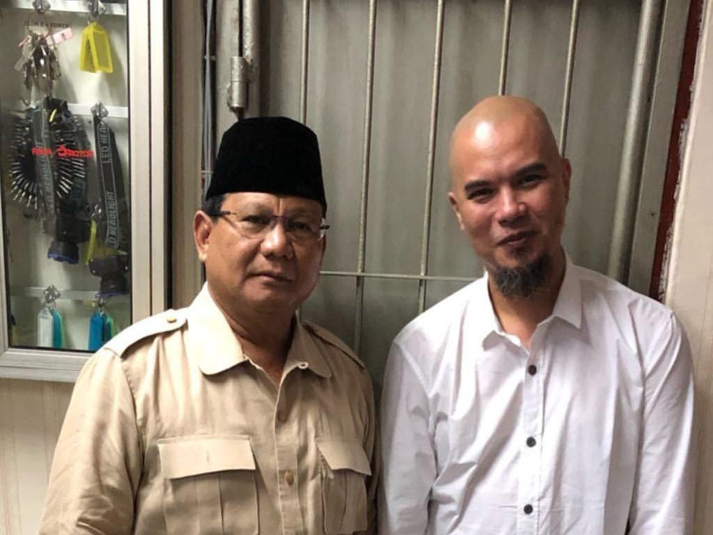 Postingan Tawa Hangat Prabowo Saat Jenguk Dhani di Rutan