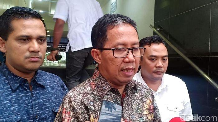 Plt Ketum PSSI Joko Driyono usai diperiksa Satgas Anti Mafia Bola (Wildan/detikSport).