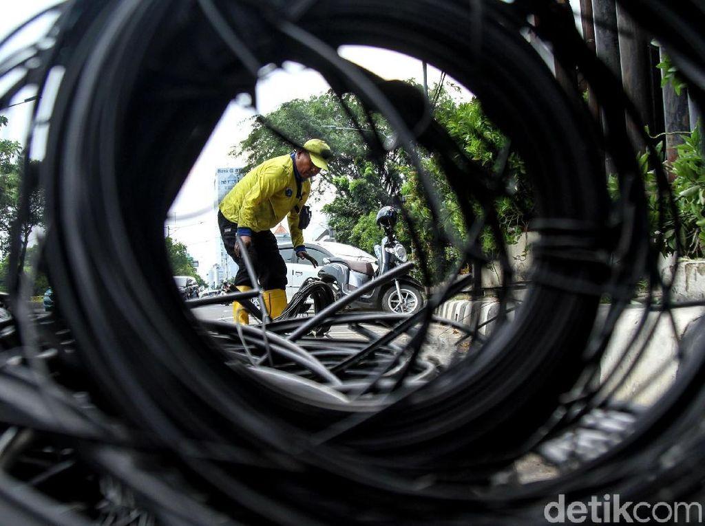 Kabel Semrawut di Jakarta Mulai Ditertibkan