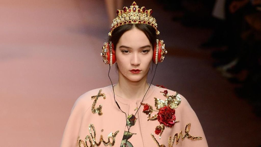 Foto: Earpiece Mewah dari LV Hingga Chanel, Harga Capai Rp 100 Jutaan