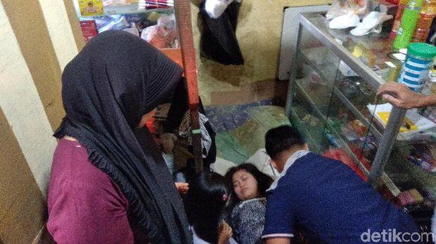 Diah pingsan saat bertemu ibunya/M Aminudin/File