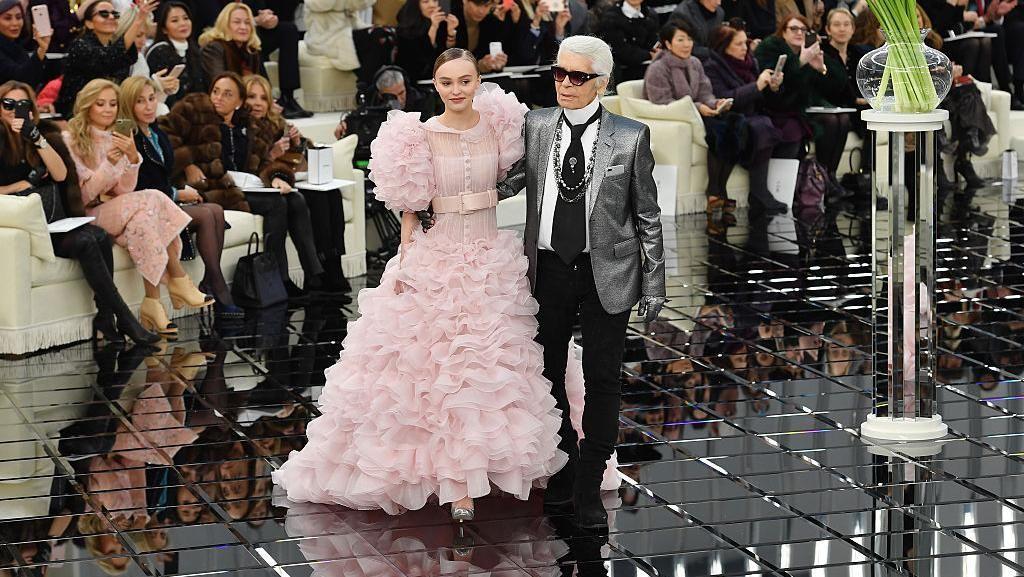 10 Muse Favorit Karl Lagerfeld untuk Chanel, Aktris hingga Model Cilik