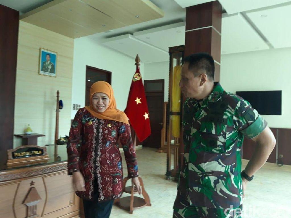 TNI Manunggal Membangun Desa Jadi  Perhatian Khofifah
