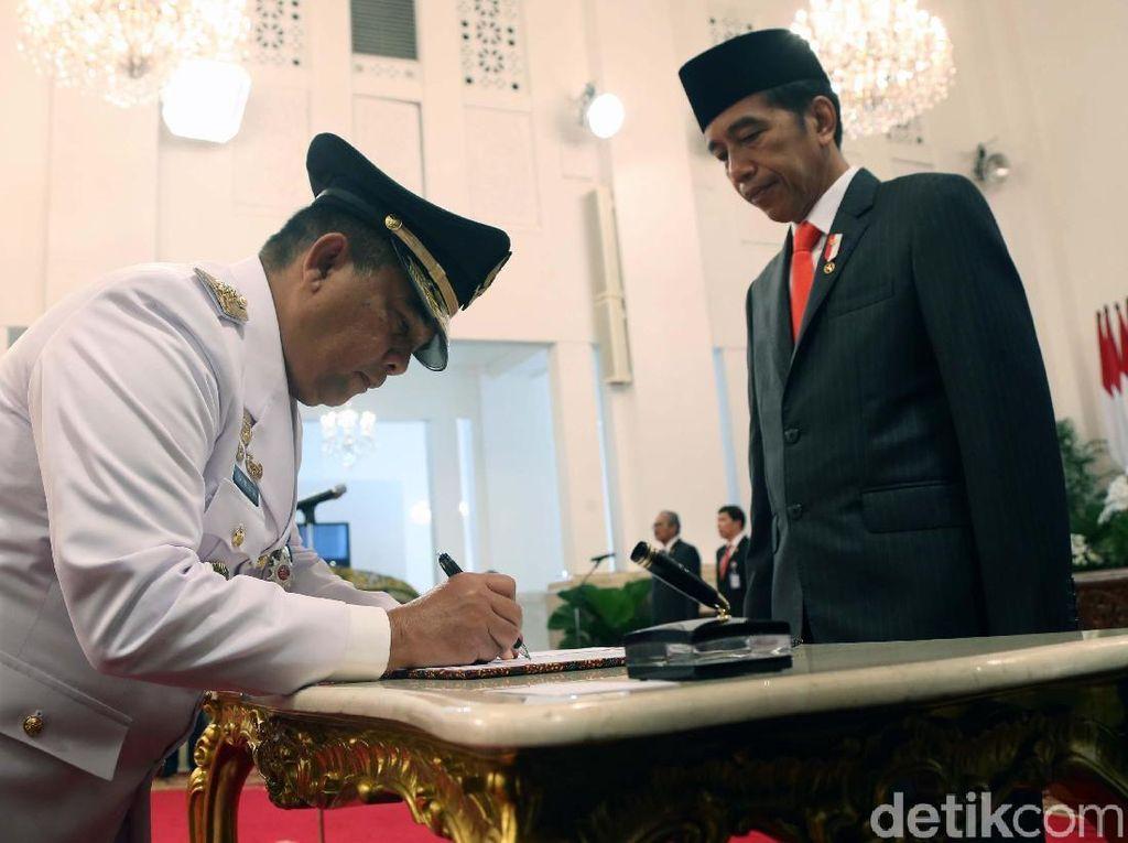 Resmi Dilantik, Gubernur Riau Diminta Jokowi Cegah Kebakaran Hutan