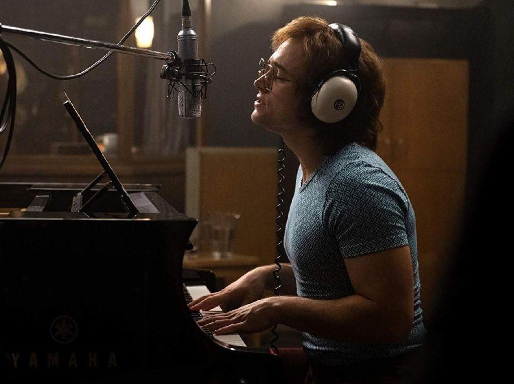 Film Elton John Jadi Sorotan, Disebut Ada Adegan Bugil Sang Musisi