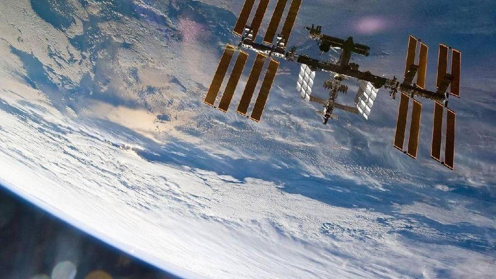 Rayakan Ultah ke-60, NASA Pamer Foto Antariksa Spektakuler