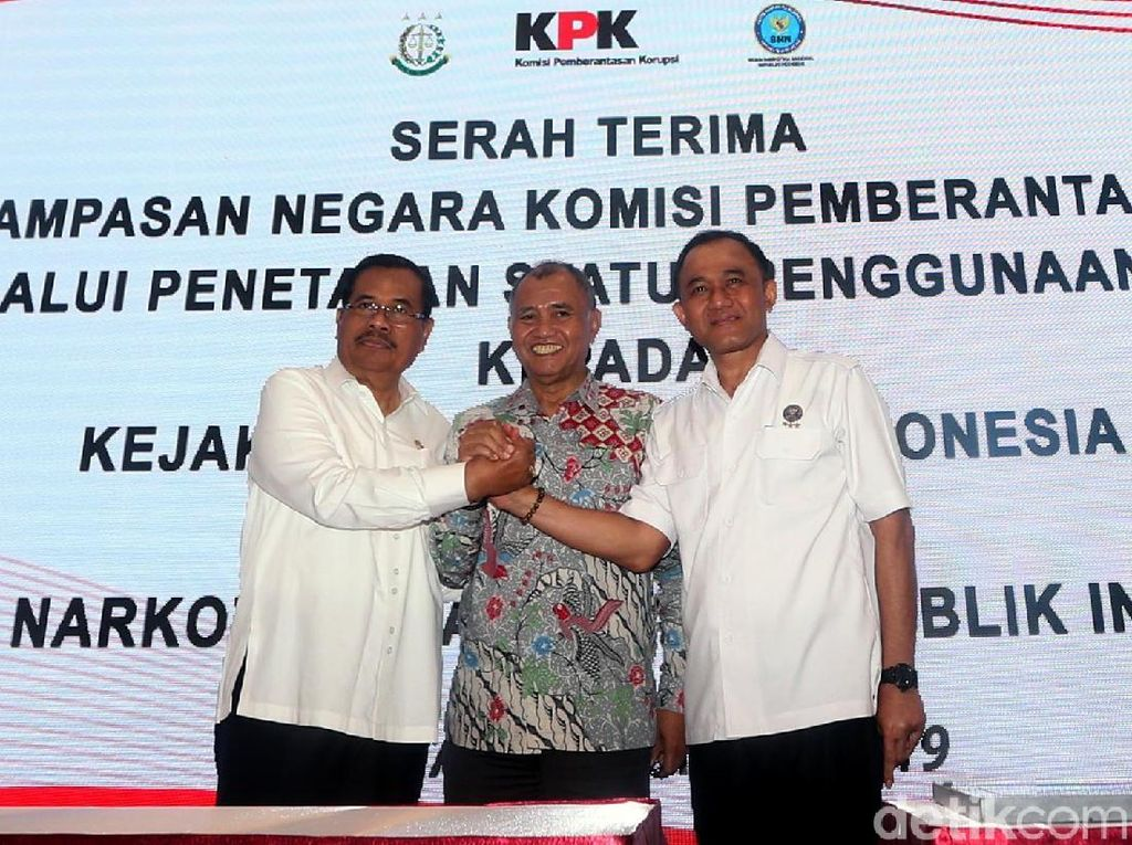 Momen KPK Serahkan Aset Koruptor Rp 110 M ke BNN dan Kejagung
