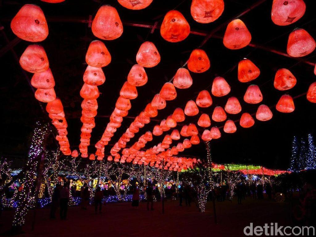 Festival Cap Go Meh Usai, Lampionnya Dikemanakan?