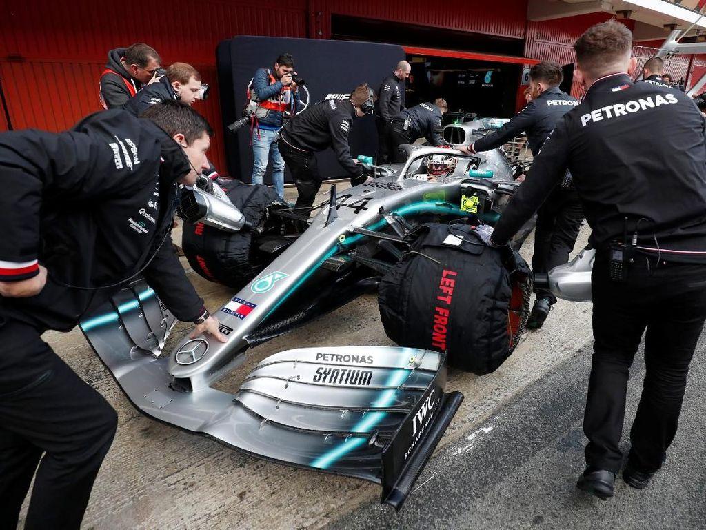 Hamilton Enggan Sesumbar soal Titel F1 Keenamnya
