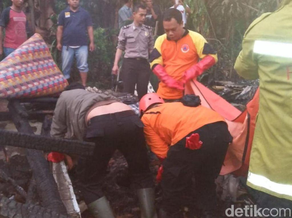 Tragis, Kematian Sekeluarga di Sukabumi Dipicu Aksi Bakar Diri Ayah