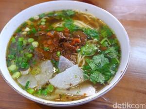 Lanzhou Beef Ramen: Lamian Mulur dan Sate Kambing Berempah Khas Lanzhou yang Halal