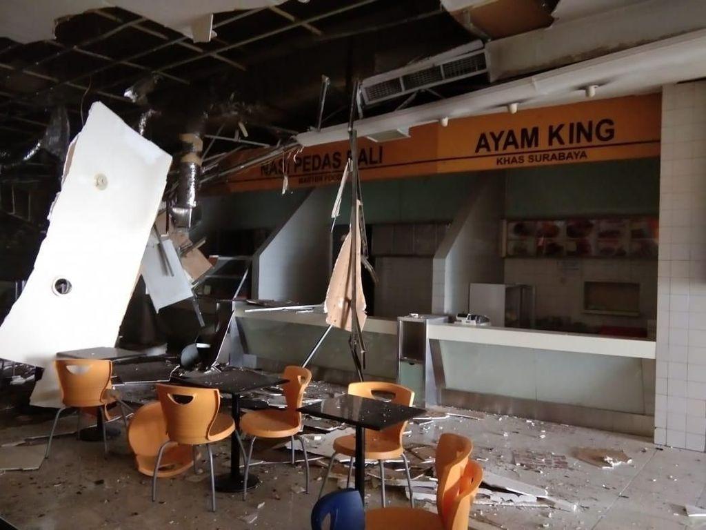 Potret Food Court Porak Poranda karena Ledakan di Mal Taman Anggrek