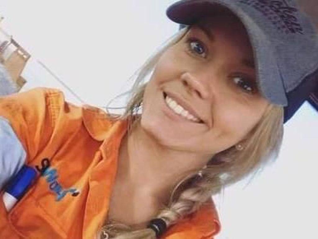 Cari Kerja Sebagai Buruh Tani, Wanita Cantik Ini Malah Dikritik Tak Pantas