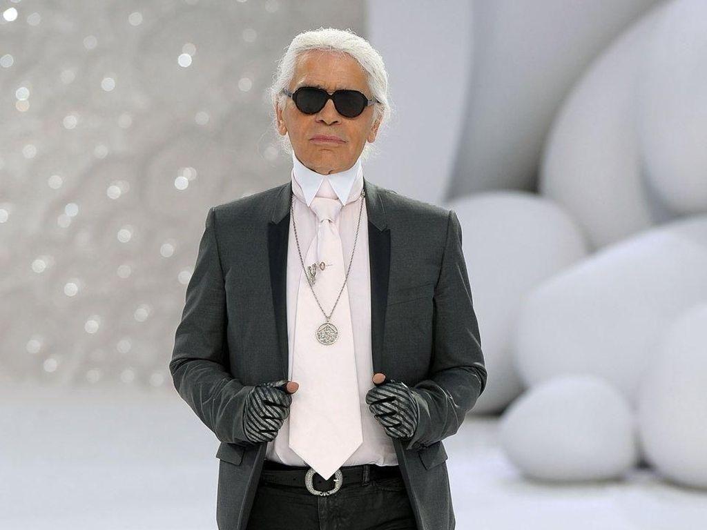Karl Lagerfeld Ingin Dikremasi dan Tak Mau Ada Upacara Pemakaman