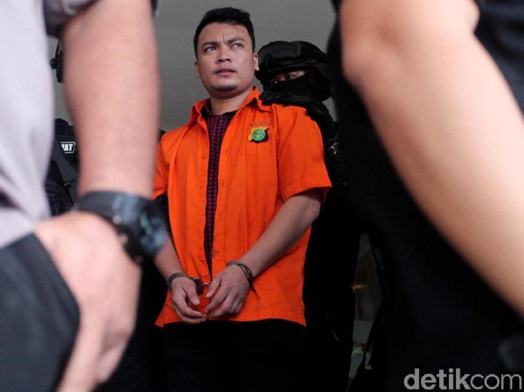 Sidang Perdana Pembunuh Sekeluarga di Bekasi Digelar Siang Ini