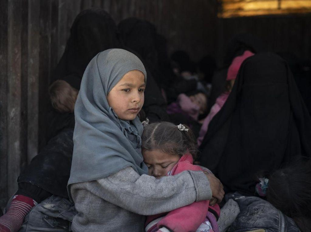 Potret Anak-anak Bertahan Hidup di Krisis Perang Suriah