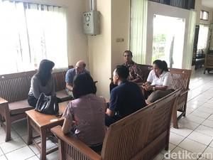 Konsulat Sudah Temui WN Inggris Penampar Staf Imigrasi Bali