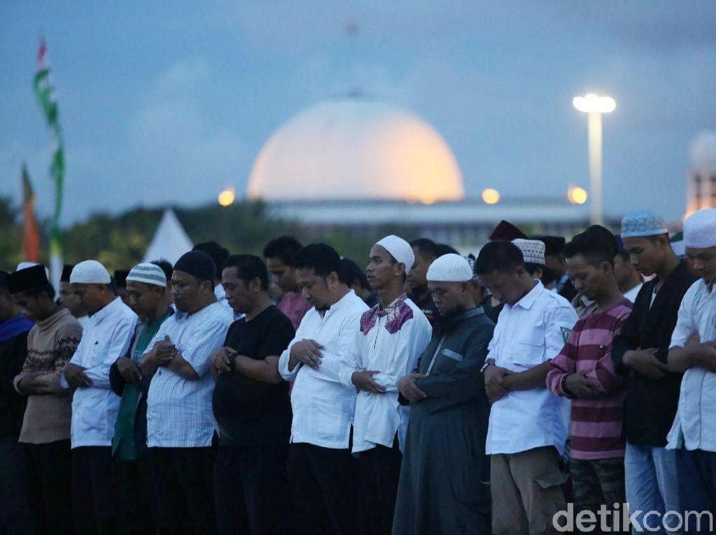 BPN Prabowo Tepis Munajat 212 Politis: Salah Kalau Ada Teriakan 02?