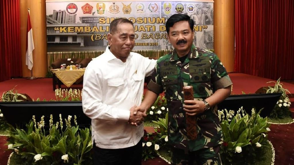 Kemenhan Gelar Simposium Kembali ke Jati Diri TNI