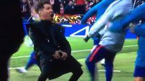 Selebrasi Tak Senonoh Simeone Rayakan Gol Diego Godin