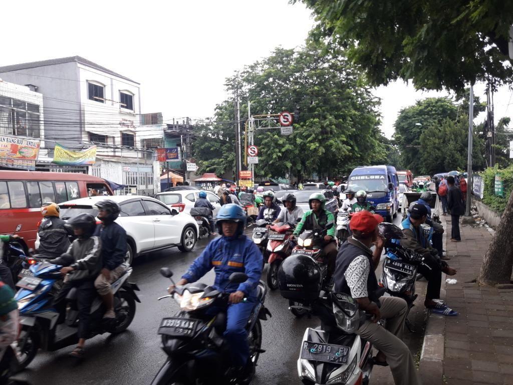 Melihat Kemacetan di Bekasi yang Disinggung Wali Kota Cilegon