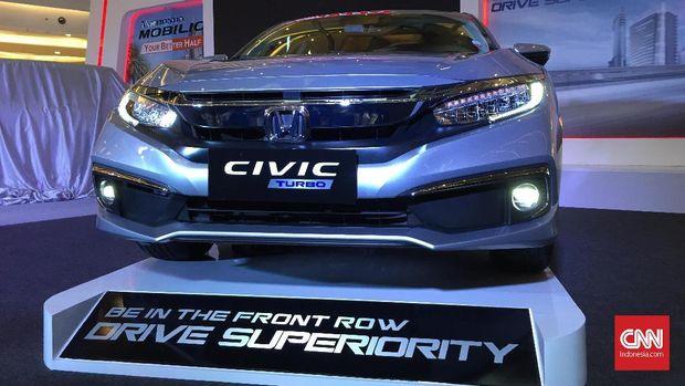 Honda Civic Turbo diluncurkan di Jakarta, Kamis (21/2).