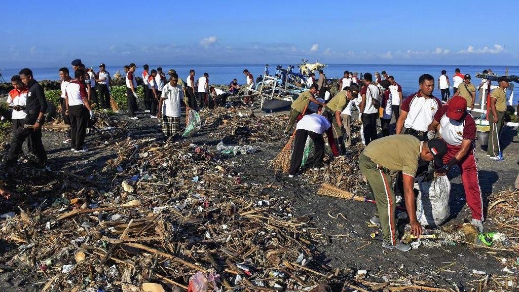 Aksi Bersih-bersih Sampah di Berbagai Daerah Indonesia