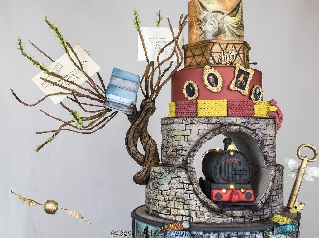 Wouw, Ada Kue Harry Potter 7 Tingkat yang Elegan dan Magis!