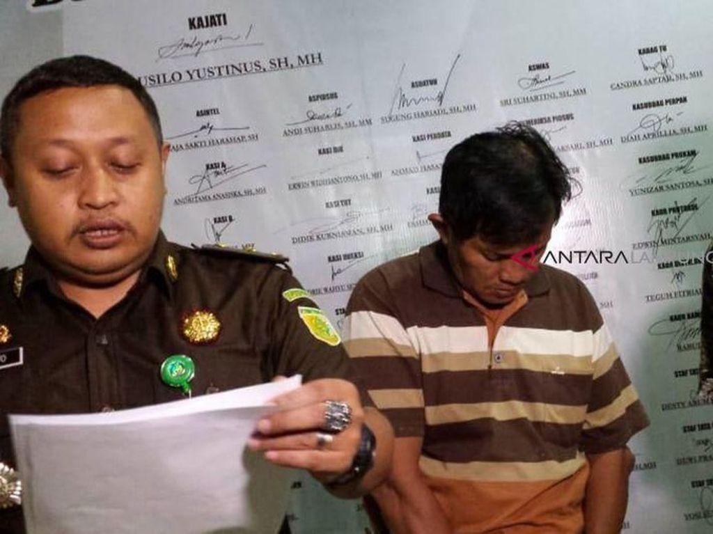 Hap! Jaksa Tangkap Koruptor Marzuki Saat Sedang Beli Makanan