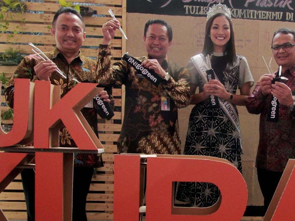 Puteri Indonesia Lingkungan Hadiri Hari Peduli Sampah