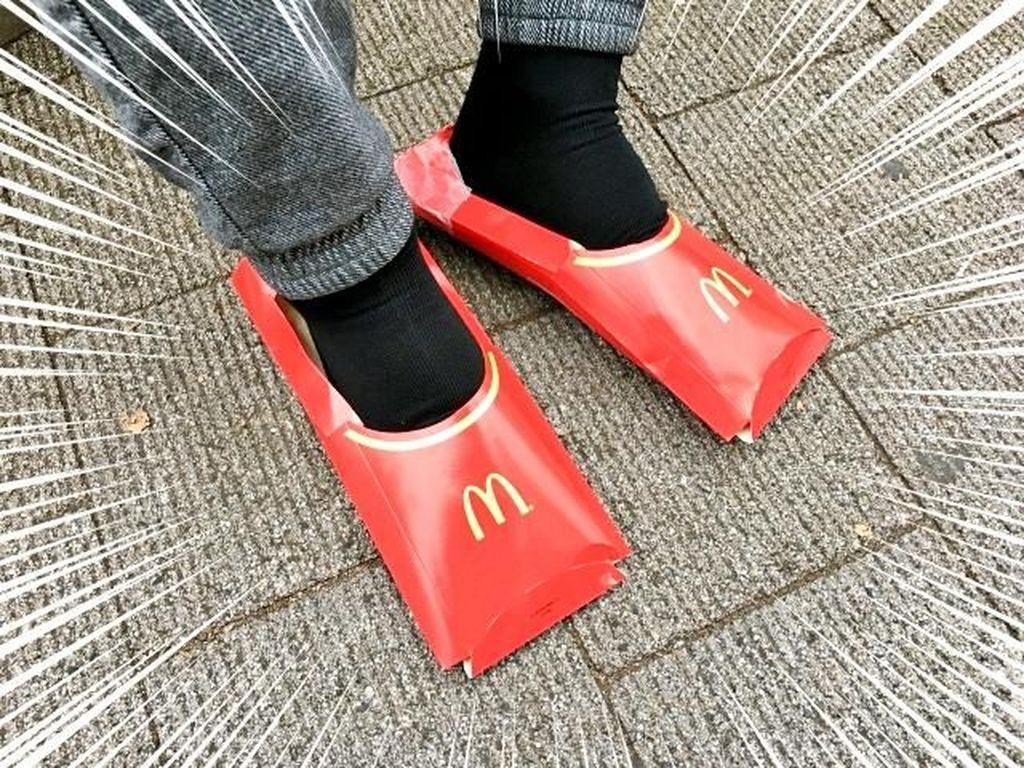 Keren! Sepatu Ini Terbuat dari Bungkus Kentang Goreng McDonalds