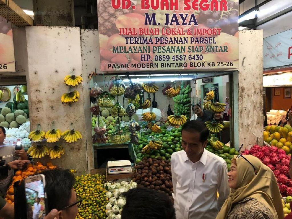Satu Hari Kunjungi Dua Pasar, Jokowi: Harga Relatif Stabil