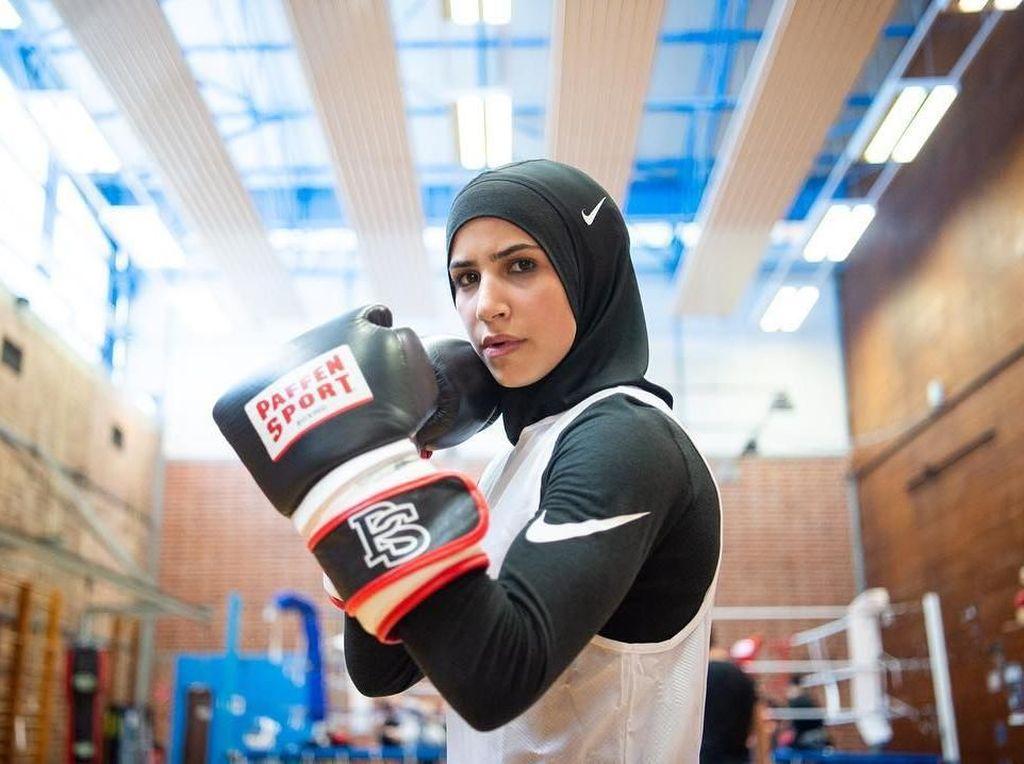 Potret Petinju Berhijab yang Jadi Model Nike, Buktikan Hijabers Itu Tangguh